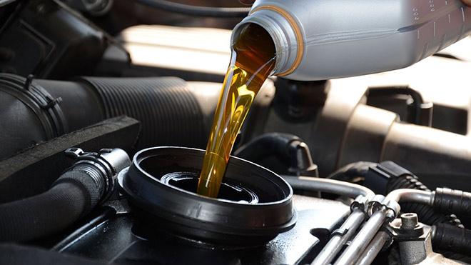 5 coisas que você precisa saber sobre troca de óleo e filtro de carro