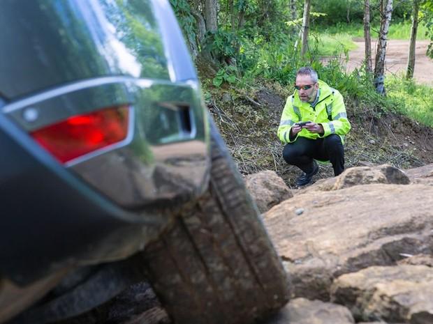 Mais segurança em manobras radicais com carro guiado pelo smartphone