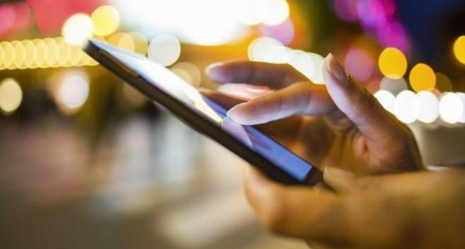 Processador, memória e manutenção são essenciais para um smartphone rápido.