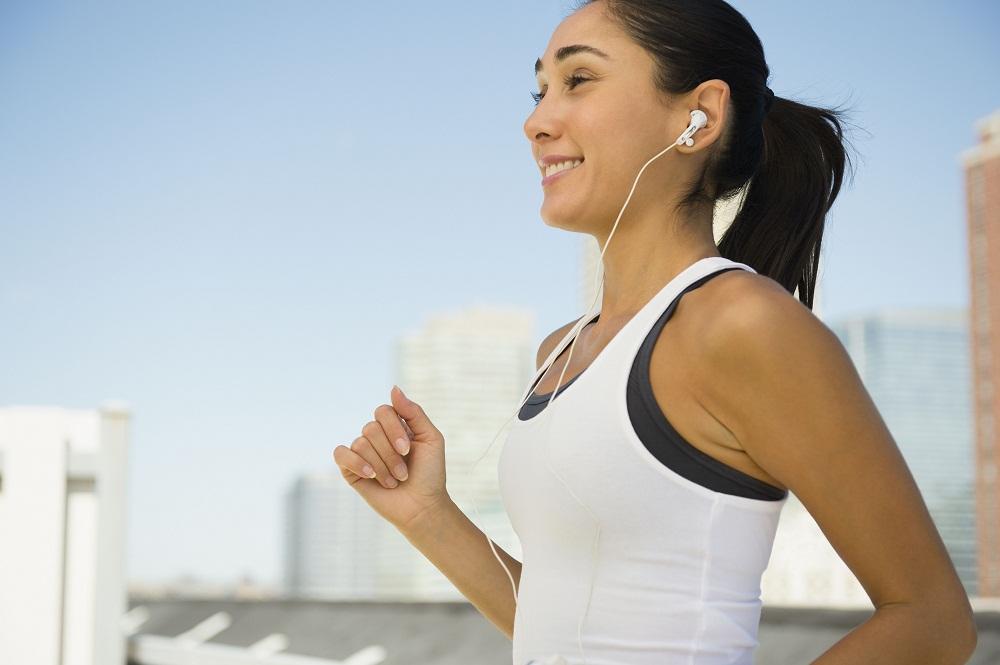 praticar esportes ouvindo musica no smartphone