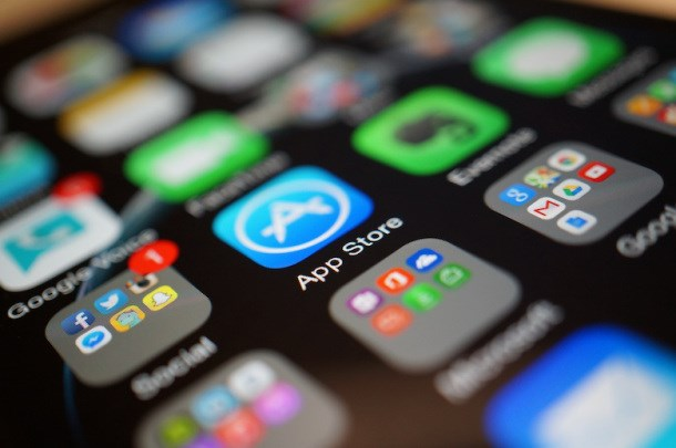 aplicativos baixados em um iphone
