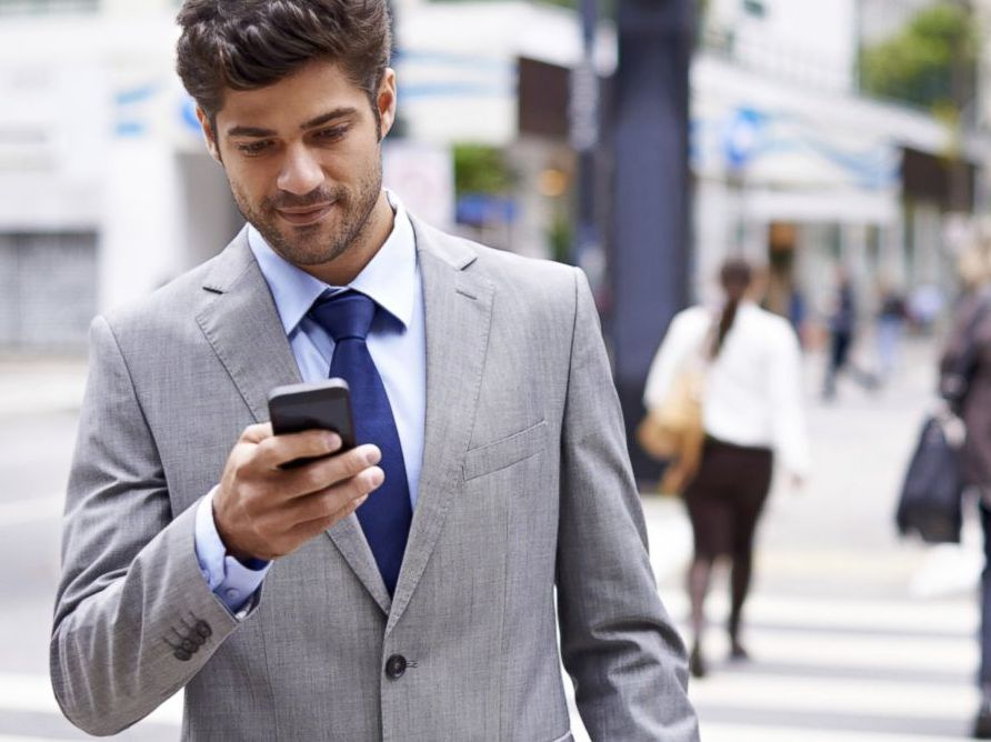 pedindo cabify pelo celular