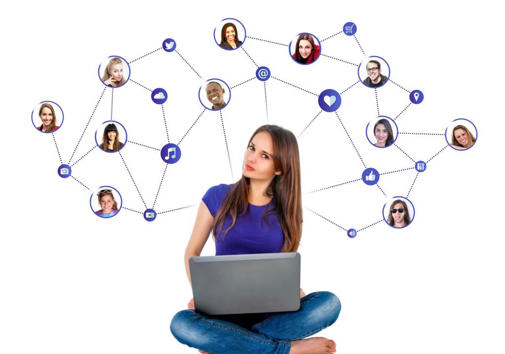 Avisar os amigos nas redes sociais