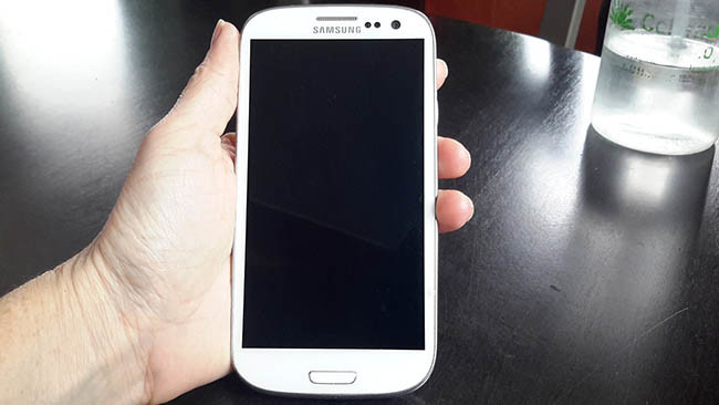 Cuidar do celular antigo