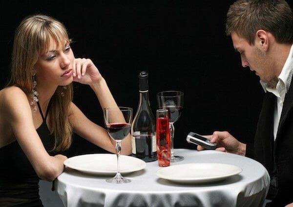 Vicio em celular com os amigos