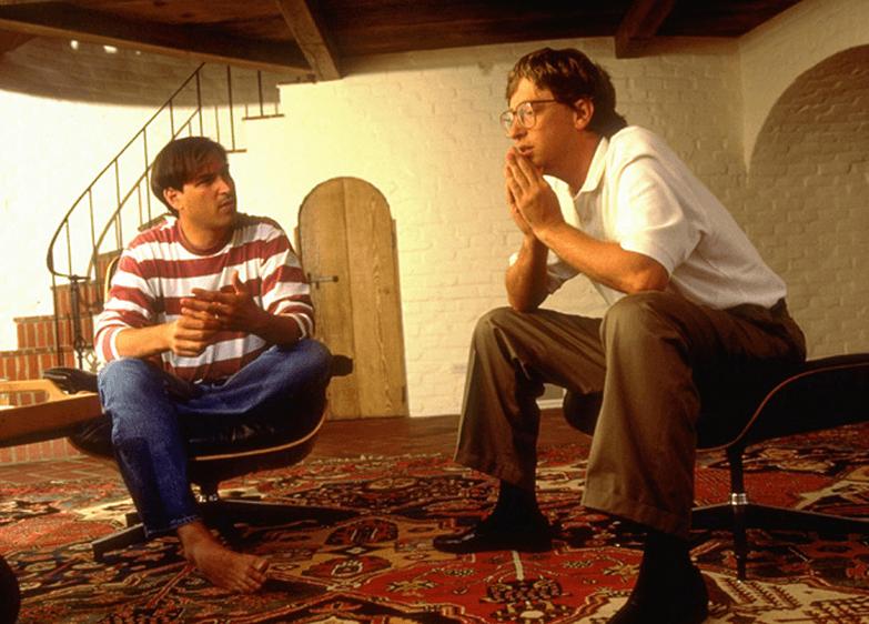 Steve Jobs e Bill Gates amigos e rivais