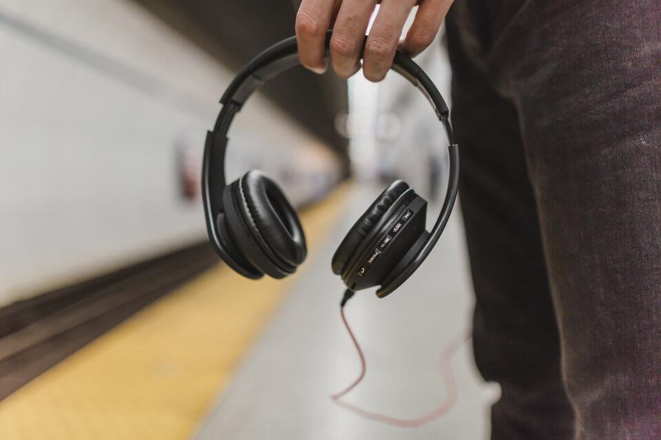Escolha qual o melhor headset para ouvir música no celular!