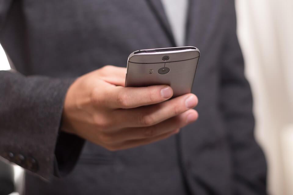 smartphone-com-maior-durabilidade